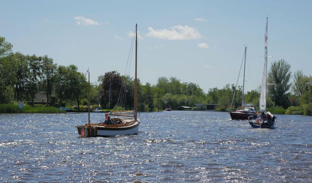 Hotel aan het Friese water